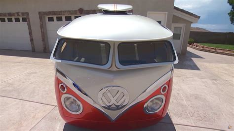 A Story of A VW Bus With Cartoon Customs Modification DamnedWerk