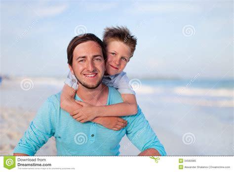 imagenes hijos felices padre e hijo felices foto de archivo libre de regal 237 as