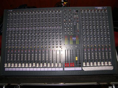 Mixer Soundcraft Spirit Lx7 24 Cnl soundcraft spirit lx7 24 image 36480 audiofanzine