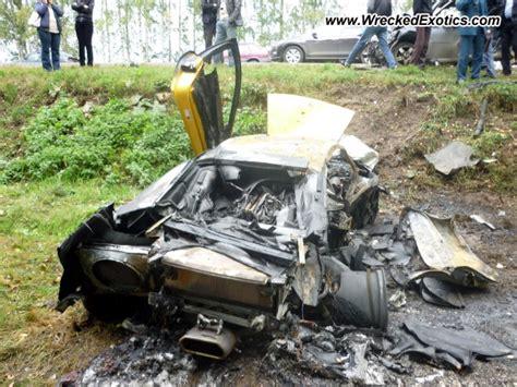 crashed lamborghini for 2010 lamborghini murcielago wrecked nizhny novgorod russia