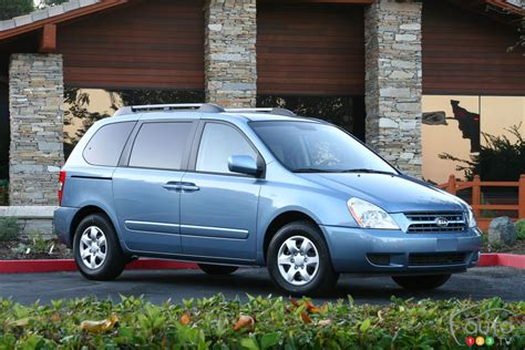 Kia Sedona Canada 2006 2012 Kia Sedona Recalled In Canada Car News Auto123