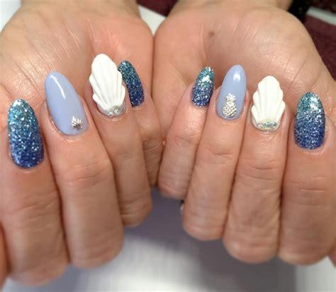 Seashell Nail