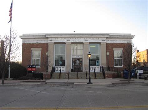 Lake Mills Post Office by Geneva