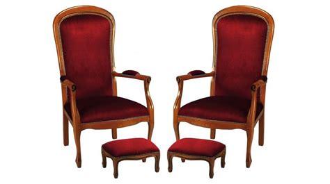 fauteuils voltaire en tissu velours bordeaux fauteuil de