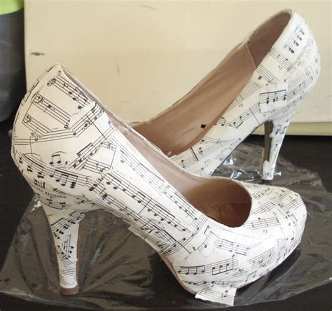 Make Paper Shoes - diy wedding crafts how to make shoes to fit any wedding theme