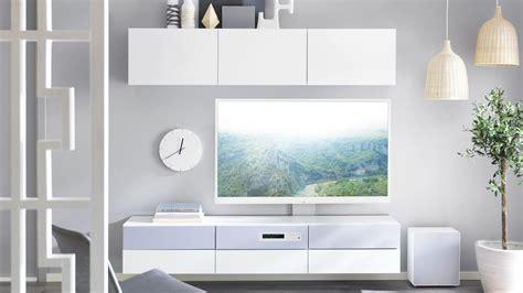 besta tv kombi szafka pod tv besta uppleva telewizor w salonie