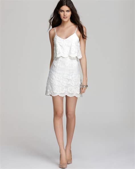 Dress Vita Merah 1 dolce vita dress jeralyn tropical embroidery bloomingdale s