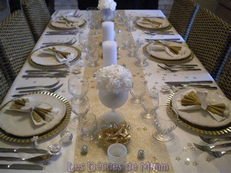 table de noel argent et blanc ma table de no 235 l en blanc et or avec une pointe d argent