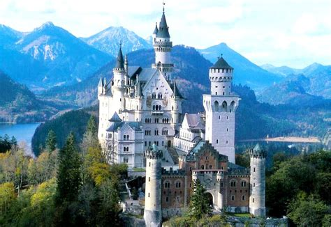 beautiful castles nice places most beautiful castles