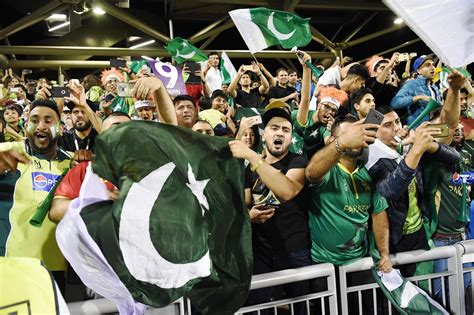 pakistan fans this english fan s pakistan zindabad chants will liven