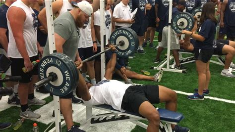 bench sports watch watch penn state s saquon barkley own the bench press