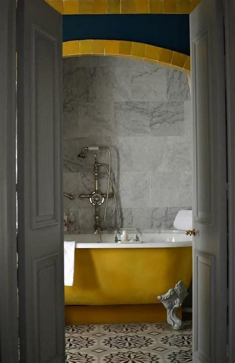 yellow clawfoot tub bathroom ideas pinterest 1000 images about decorate havest gold bath on pinterest
