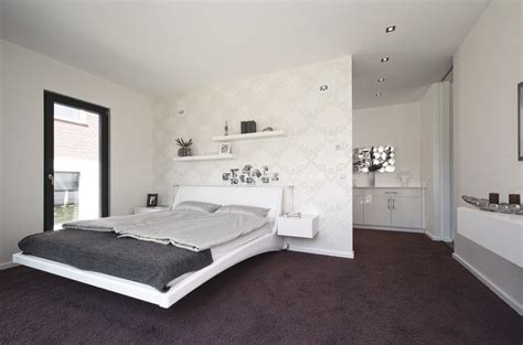Wand Kleiderschrank by Best 25 High Ceiling Bedroom Ideas On