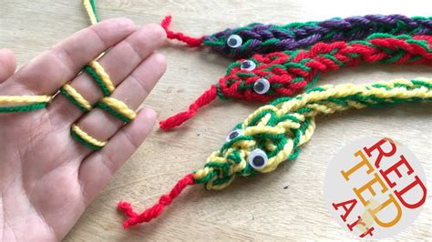 finger knitting how to finger knit a snake diy finger knitting projects