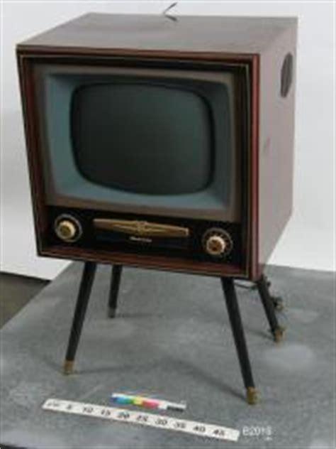 B2015 Black b2015 television receiver 17 quot a w a radiola quot image