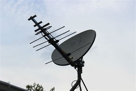 i turned my satellite dish into a badass hdtv antenna ideas diy tv antenna satellite dish