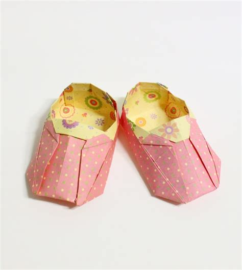 Origami Baby Shoes - if you don t these origami shoes then you probably
