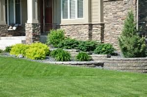 Backyard landscaping ideas retaining walls landscaping retaining walls