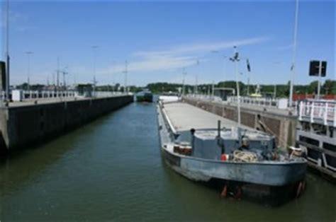 vaarbewijs dienstboekje scheepvaartkeuring zeevaart en binnenvaart