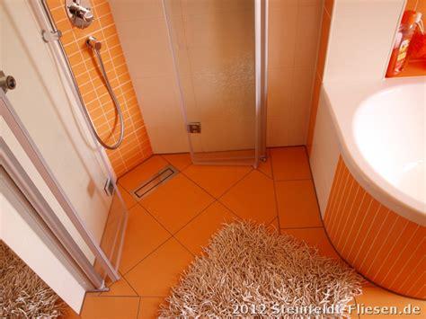 orange fliesen oranges badezimmer surfinser