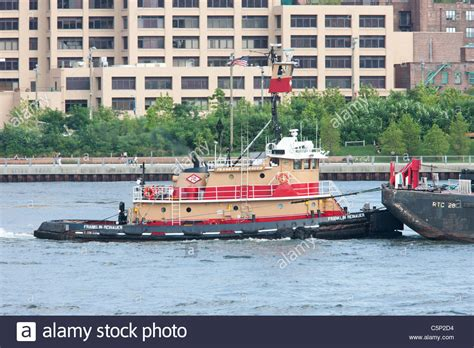 tugboat pushing barges tugboat pushing barge stock photos tugboat pushing barge