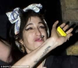 Not Winehouse Smokin by Winehouse Smokes A Joint In The But Novello