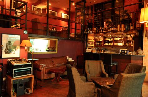 Top 5 Bars In Singapore by Singapore S Top Five Bars To Smoke A Cigar Lifestyleasia