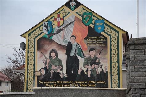 Wall Murals Art cain victims memorials ira mural and plaque divismore way