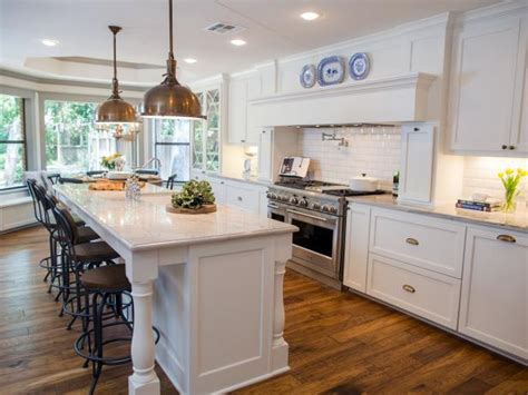 fixer upper on hgtv hgtv s fixer upper with chip and joanna gaines hgtv