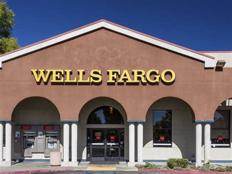 Wells Fargo Sweepstakes 2016 - wells fargo shutting down 400 bank branches wptv com