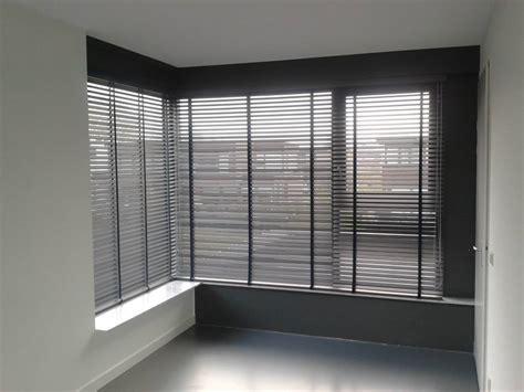 plisse gordijnen gebroken wit raamdecoratie de woningstoffeerder