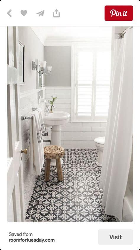 bathroom floor colors best 25 small grey bathrooms ideas on pinterest
