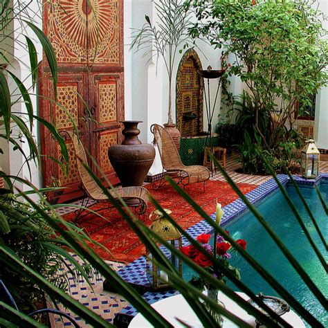 20 moroccan decor ideas for exotic and glamorous outdoor