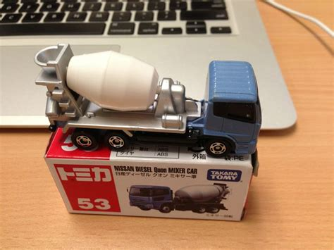 Diecast Miniatur Tomica 53 Nissan Diesel Quon Mixer Car takara tomy nissan diesel quon mixer car diecast construction toys diecast toys