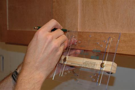 Cabinet Hardware Installation by How To Install Cabinet Door Hardware How Tos Diy