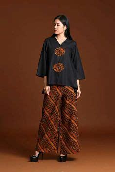 Setelan Kebaya Modern Batik Big Dress Keluarga Seragaman Coupl ida royani quot west to east quot indonesia islamic fashion fair 2013 fashion