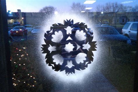 window snowflakes do it and how