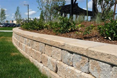 Uniblock Wall Pisa Retaining Wall By Unilock Benson Co