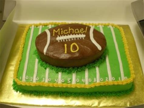 Football Cake Decorating Ideas by Football Field Cakes Http Www Cake Decorating Corner