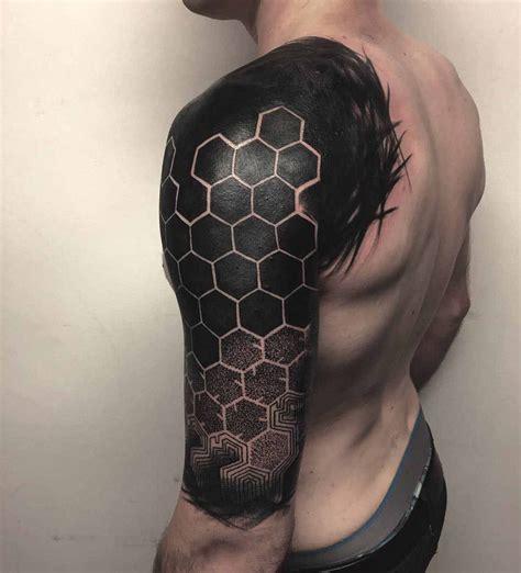 hexagon pattern tattoo shoulder tattoo blackwork tattoo honeycomb pattern mis