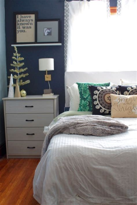 navy and green bedroom five ideas to decorate your home for the holidays 187 decor