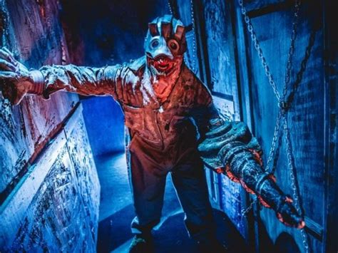 midnight terror haunted house midnight terror haunted house moves to massive new location in oak lawn new lenox