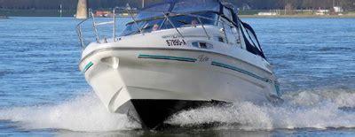 motorboot richtig starten motorboot ausbildung motoryacht training auf dem rhein