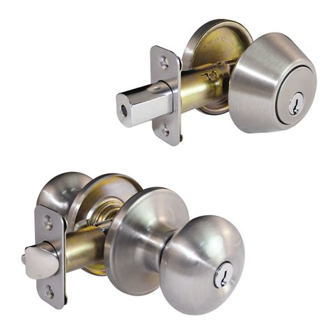 Gatehouse Door Knobs by Shop Gatehouse Baron Satin Nickel Keyed Entry Door Knob At