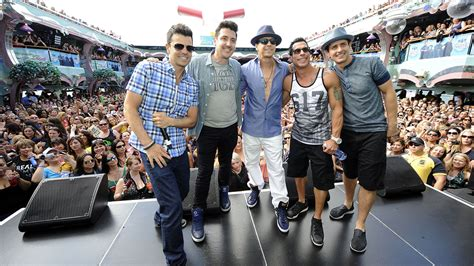 rock the boat nkotb cruise new kids on the block announces tour with tlc nelly