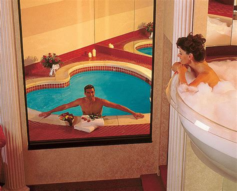 poconos themed hotel you could spend your honeymoon in a 7 foot chagne glass