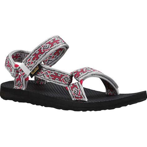 teva s original universal sandal at moosejaw