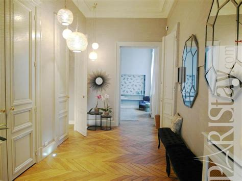 A Witty Entrance In A Parisian Apartment by Luxury Apartment Rentals Montorgueil 75002