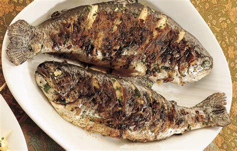 cucinare trote ricetta trote aromatiche arrostite le ricette de la