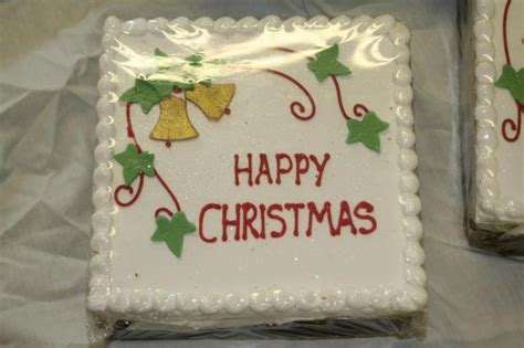 easy square christmas cake decorating ideas